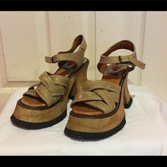bf544dbbe4a7 London Underground Shoes - London Underground Vintage Platform Wedge Sandal  9